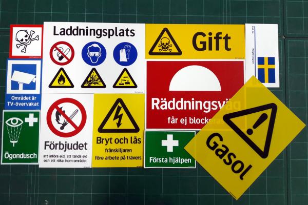 standardskyltar olika varning mm