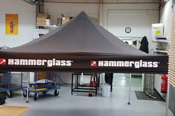 Tält Hammerglass svart med röd/vit logo