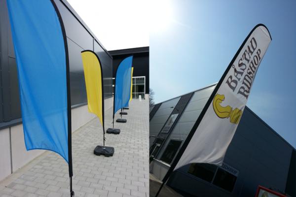 Beachflaggor Båstad ridshop blå gul